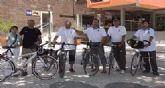 Un grupo de ciclistas promociona el uso de la bici por España