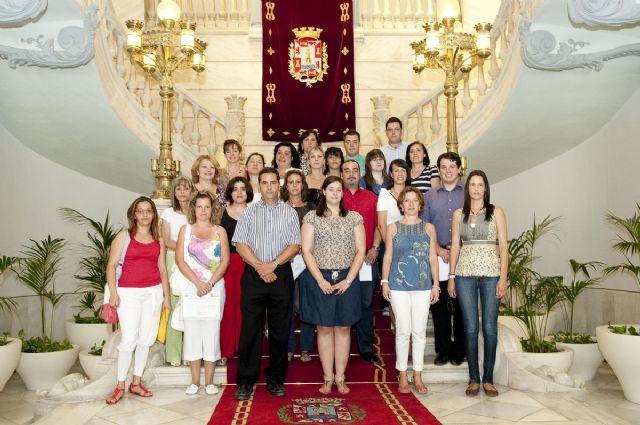 20 nuevos celadores sanitarios y de atención a mayores ya tienen sus diplomas - 3, Foto 3
