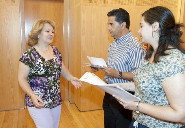 20 nuevos celadores sanitarios y de atención a mayores ya tienen sus diplomas - 5, Foto 5