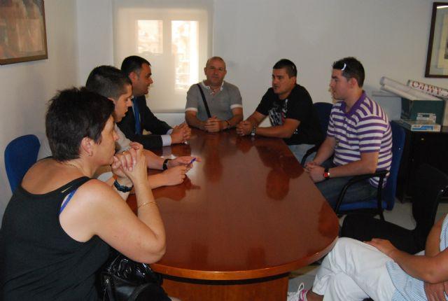 El alcalde y el concejal de Servicios mantienen una reunión con los representantes sindicales de los trabajadores de La Generala, Foto 2