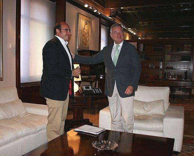 El Alcalde de Puerto Lumbreras presenta al Presidente el proyecto de rehabilitación de la Casa del Cura - 1, Foto 1