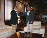 El Alcalde de Puerto Lumbreras presenta al Presidente el proyecto de rehabilitación de la Casa del Cura