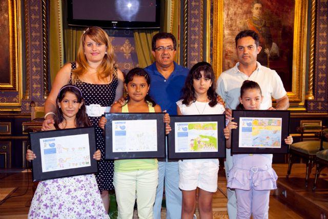 ´Aqualia´ entrega los premios de la ´VIII edición del concurso anual de dibujo infantil´, Foto 1