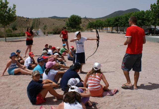 Puerto Lumbreras congrega a 60 jóvenes en el primer Campamento de verano del Cabezo la Jara destinado al aprendizaje de inglés - 3, Foto 3