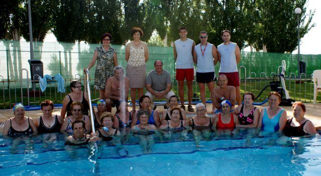 Más de 200 lumbrerenses participan durante los meses de verano en el Programa de Actividades Acuáticas que impulsa el Ayuntamiento - 1, Foto 1