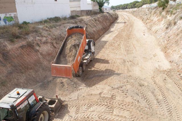 El relleno de la Vía Verde del Barrio Peral estará listo a finales de agosto - 5, Foto 5