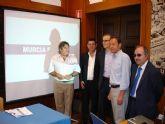 El Alcalde Cámara recibe los primeros bocetos para el futuro Museo de Arte, Diseño y Medio Ambiente de Murcia