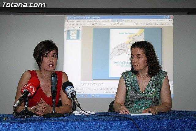 Presentación del libro de autoayuda Psicoterapia de bolsillo de Aurelia García García - 1, Foto 1