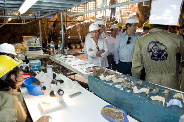 La alcaldesa anuncia una jornada de puertas abiertas en Cueva Victoria - 2, Foto 2