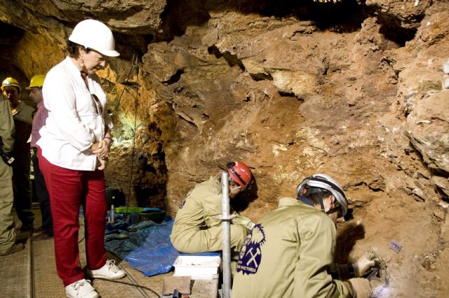 La alcaldesa anuncia una jornada de puertas abiertas en Cueva Victoria - 4, Foto 4