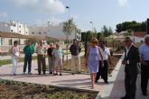 El parque Almansa recupera 3.000 metros de jardines y completa su perímetro para disfrute público