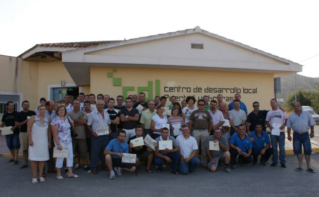 El Centro de Desarrollo Local de Puerto Lumbreras formó a más de 400 lumbrerenses durante el primer semestre de 2010 - 1, Foto 1