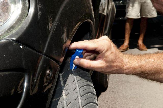Policía Local e I.T.V. informan sobre cómo detectar un neumático en mal estado - 1, Foto 1