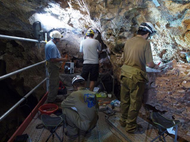 Presentación de los hallazgos en Cueva Victoria - 1, Foto 1