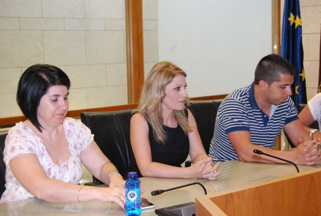La nueva concejal del PP, Esther Esparza Martínez, tomó posesión de su nuevo cargo en la Corporación municipal - 3, Foto 3