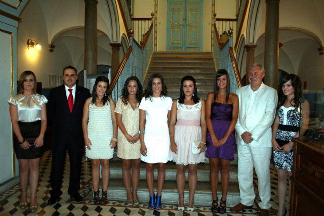 El alcalde recibe a las candidatas a 'Reina de las Fiestas' 2010 - 1, Foto 1