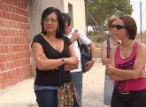 La alcaldesa de Lorquí visita el taller de empleo local