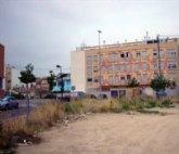 El Grupo Socialista denuncia el abandono y suciedad de un solar municipal en el centro Espinardo