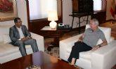 Blaya se entrevista con el presidente Valc�rcel