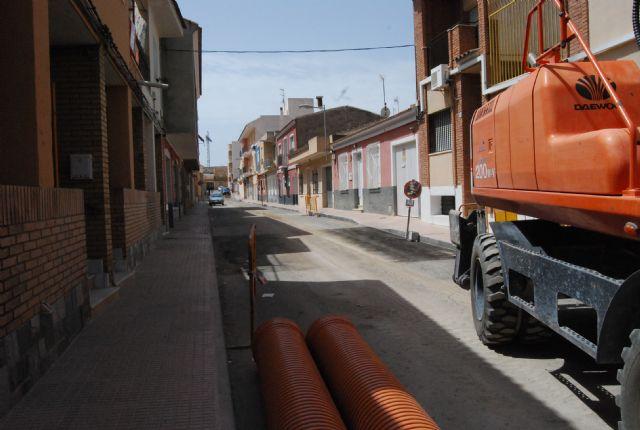 Comienzan las obras de regeneración de servicios, alcantarillado y agua potable de la calle Virgen del Castillo, Foto 2