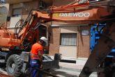 Comienzan las obras de regeneraci�n de servicios, alcantarillado y agua potable de la calle Virgen del Castillo
