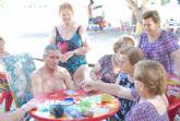El programa de viajes 'Vente a la playa' cuenta con una media de cien participantes de los Centros Municipales de Personas Mayores de Totana