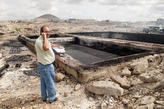 Arden tres balsas con residuos industriales en los antiguos terrenos de Zincsa - 1, Foto 1