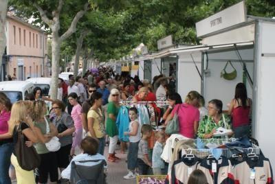 Continúa abierto el plazo de inscripción para los establecimientos que quieran participar en la Feria Outlet - 1, Foto 1