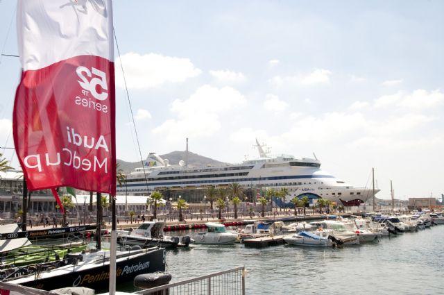 Más de 2.000 turistas llegan a Cartagena en el buque Aidavita - 2, Foto 2