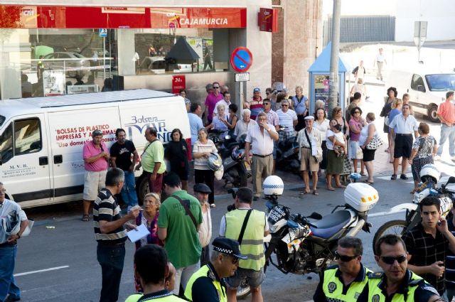 Cerrado el mercado de Santa Florentina por el desprendimiento de una canaleta de cables - 1, Foto 1
