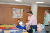 El consejero de Política Social pulsa en El Palmar cómo pasan el verano los mayores en dos residencias públicas