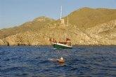 La travesía por el litoral de Cartagena finalizó tras 22:30 h de natación
