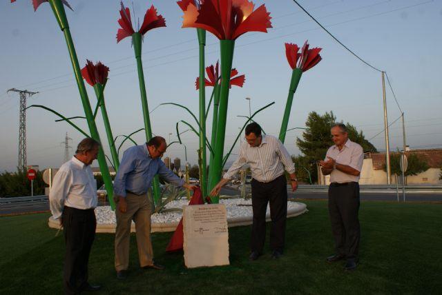 Inauguran la nueva rotonda de ´Los Claveles´ - 2, Foto 2