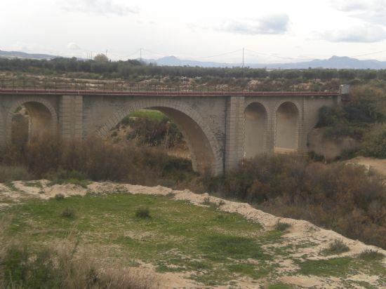 El alcalde solicita a la Confederación Hidrográfica del Segura que proceda a la limpieza de la mota del río Guadalentín - 1, Foto 1