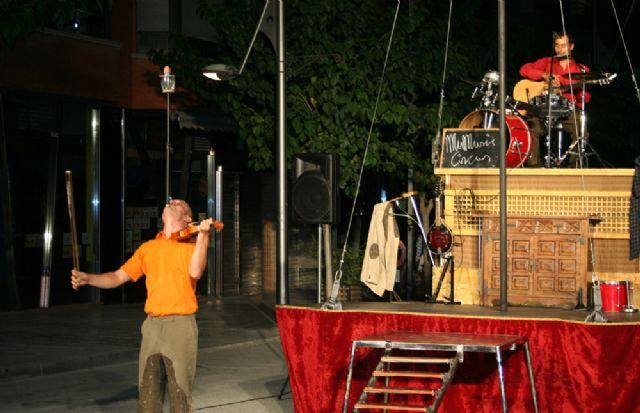 'Mumusic Circus' llena de fantasía la Gran Vía de Cehegín - 1, Foto 1