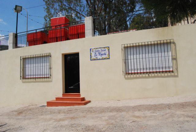 El ayuntamiento ha puesto en marcha infraestructuras sociales y adecuado caminos rurales de La Huerta, Foto 1