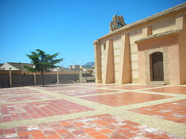 The Department of Public Works encourages the comprehensive rehabilitation of the Plaza de la Ermita de San Roque in Totana, Foto 1