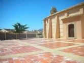 La Consejería de Obras Públicas impulsa la rehabilitación integral de la plaza de la Ermita de San Roque, en Totana