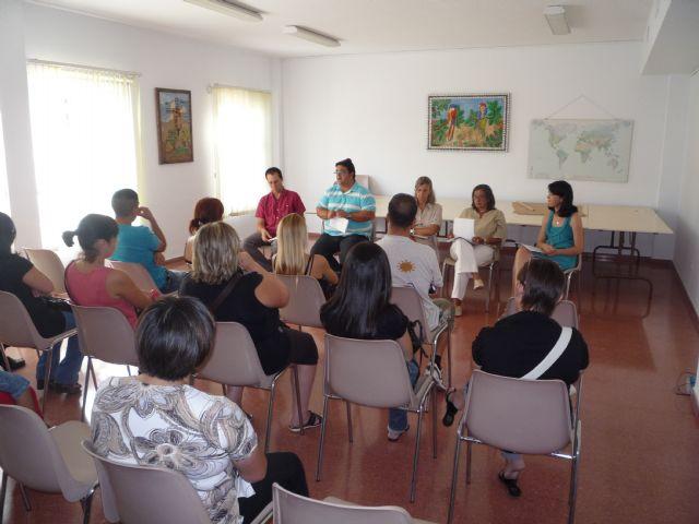 El concejal de Bienestar Social se reúne con los padres de los niños que reciben atención en el Centro de Desarrollo Infantil y Atención Primaria, Foto 1