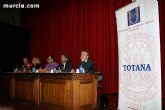 El alcalde y el vicerrector de Extensión Universitaria de la UMU clausuran el curso de la Universidad Internacional del Mar