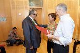El Ayuntamiento se compromete a mantener las ayudas directas a Acción Social