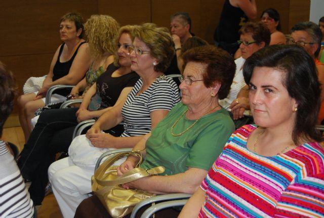 La concejal�a de Mujer y la asociaci�n Solidaridad Intergeneracional organizan el curso gratuito de cuidadores de personas dependientes, Foto 1