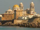 Mujer organiza un Viaje Cultural a Cádiz