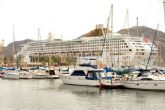 Las calles de la ciudad se llenan de turistas extranjeros con la llegada del Oceana
