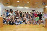 La concejal de Educación recibe a los alumnos del IES Juan de la Cierva y a los del IES Juan de Herreera de El Escorial (Madrid)