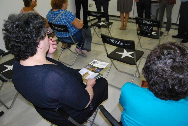 Autoridades municipales acuden a la inauguraci�n de la exposici�n itinerante fotoespuña 2009, Foto 3