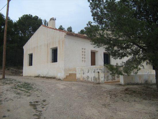 El consistorio ha invertido en la diputaci�n de La Sierra m�s de 100.000 euros, Foto 1
