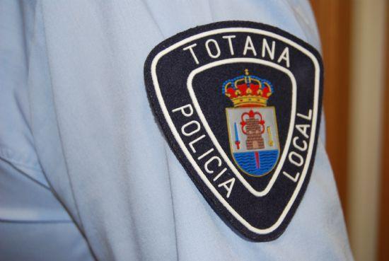 La Policía Local de Totana detiene durante un control para evitar el robo de uva a un individuo con 50 kilos de cable cobre y 10 kilos de uva, Foto 1