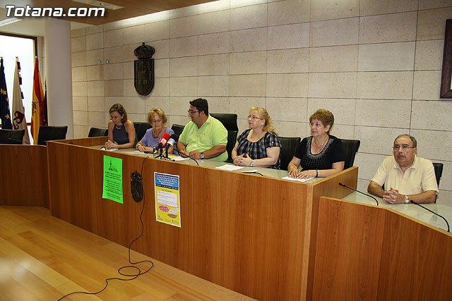 Los m�s de 2.000 usuarios del Centro de Personas Mayores arrancan el curso 2010/2011, Foto 4
