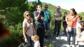 Martínez-Cachá planta un árbol con motivo del Día Internacional de las Personas Sordas